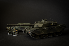 Revell 1/76 Challenger 1 with Airfix 1/76 LWB Land Rover and Elhiem figures