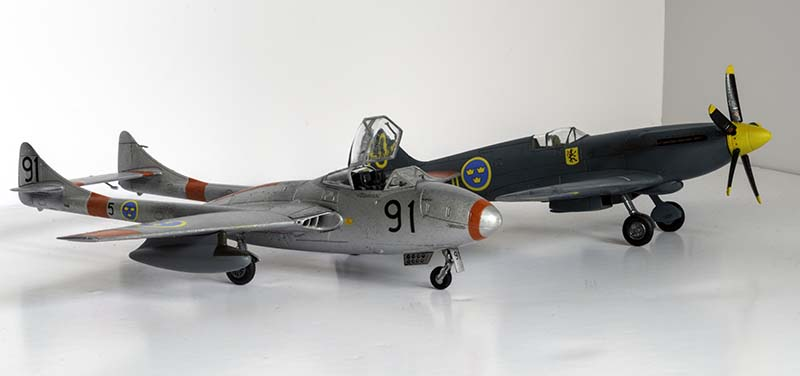 Airfix 1/72 Vampire T.11/J-28C and Airfix 1/72 Spitfire PR.XIX/S.31