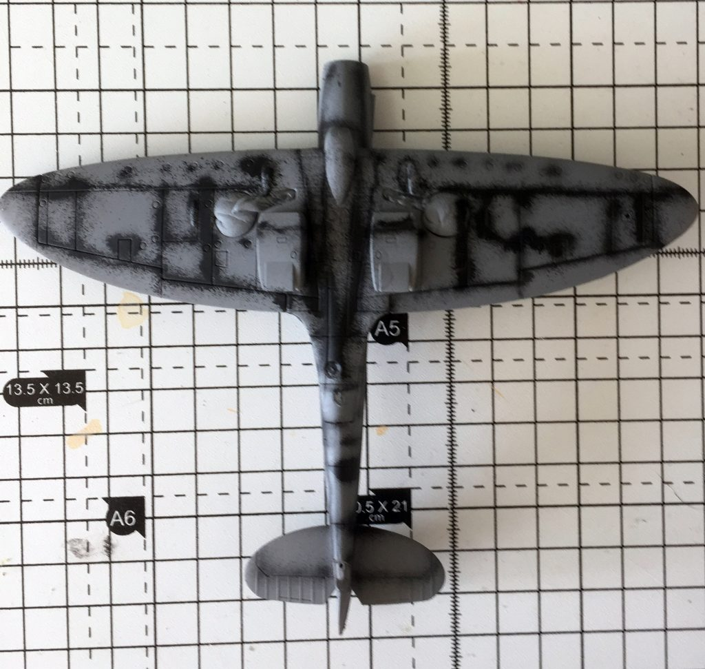 Work in progress on the Airfix 1/72 Spitfire PR.XIX , pre-shading on the lower half.