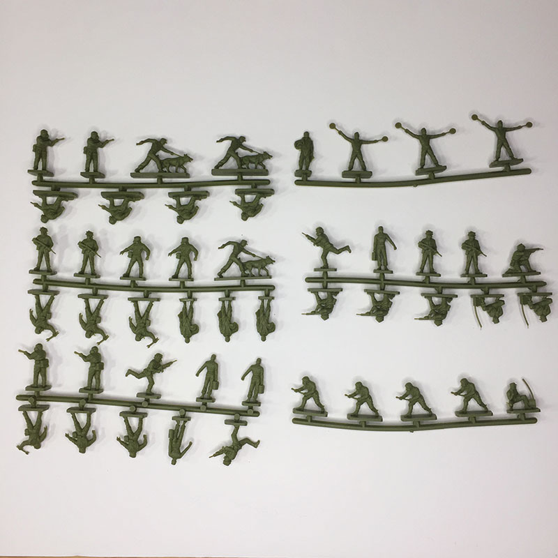 The contents of the Airfix 1:72 NATO Ground Crew