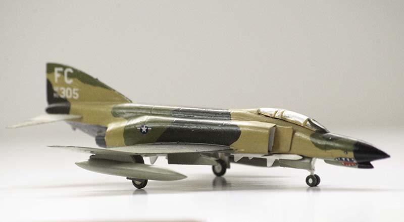 Minicraft 1:144 McDonnell Douglas F-4 Phantom II