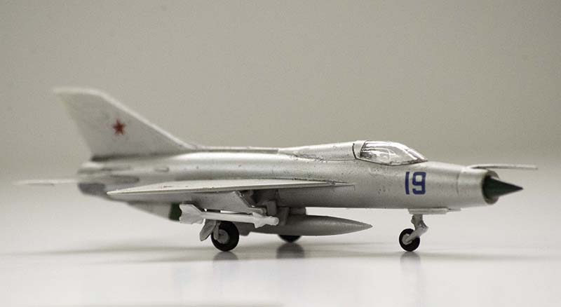 Minicraft 1:144 MiG-21 Fishbed